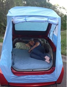 Hack Turns Your Prius Into a Mobile Hotel I may be able to camp again with this. Tent Hack Turns Your Prius Into a Mobile Hotel : TreeHugger may be able to camp again with this. Tent Hack Turns Your Prius Into a Mobile Hotel : TreeHugger Auto Camping, Camping Hacks, Camping Info, Camping Glamping, Camping Survival, Camping Gear, Outdoor Camping, Camping Outdoors, Camping Storage