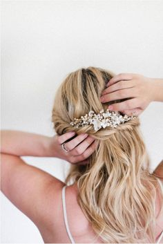 GIVEAWAY: Juliet bridal comb by Percy Handmade and DIY hair tutorial via Irrelephant Blog