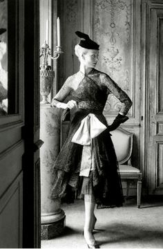 Ciao Bellissima - Vintage Glam; Model wearing Balenciaga design, photo by Henry Clarke, 1951