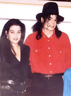 Michael and Lisa - March 1993, a year before their marriage ;) | Curiosities and Facts about Michael Jackson ღ by ⊰@carlamartinsmj⊱