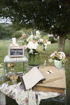 mesa de firmas de Style me Pretty