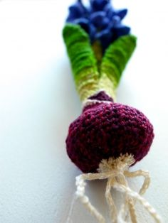 crochet vegetable brooch from HIPOTA, Japanese blogger