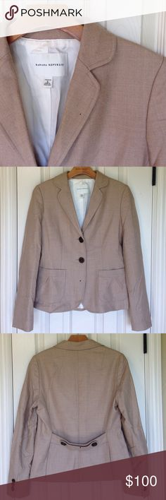 Banana Republic 2 Piece Suit - Tan Perfect fall suit. Camel color wool, fully lined jacket and pants. Jacket is Size 6 with 2 buttons, gathered front pockets and back button details. Pants are Size 4, 31 inch inseam.  Great condition, minimal wear. Banana Republic Jackets & Coats Blazers