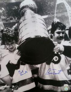 Sports Integrity 19184 Bob Clarke Bernie Parent Signed Philadelphia Flyers Stanley Cup Photo - JSA - 11 x 14 Usa Soccer Team, Team Usa, Philadelphia Flyers, Flyers Stanley Cup, Bobby, Hockey Room Decor, Bernie Parent, Flyers Hockey, Sports Figures