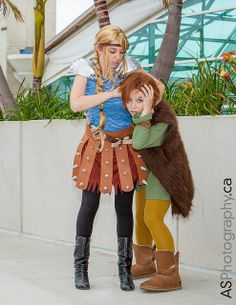 Astrid & Hiccup from How to Train your Dragon Awesome Cosplay, Best Cosplay, Astrid Hiccup, Fun Stuff, Geek Stuff, Couple Costumes, San Diego Comic Con, How To Train Your Dragon, Comic Character