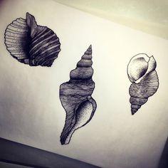 Sur la plage abandonnés... Dispo pour être tatoué! Pour réserver >> futurballistik@hotmail.com #coquillage #shell #shelltattoo #tatouage #tatoueur #tattooer #tattooer #tattooartist #tattooart #tattoodesign #artistetatoueur #inkedbyguet #design #dotwork #dotworker #dotworktattoo #designtattoo #guet #graphism #sorrymummy #graphicdesign #graphictattoo #blackwork #blacktattoo #blackworker #blacktattooart