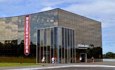 Guia Tour & Shop: Museu de Cera, Vale dos Dinos e Maravilhas com des...