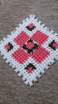This Pin was discovered by ayş Puff Stitch Crochet, Crochet Quilt, Crochet Squares, Crochet Motif, Crochet Doilies, Crochet Flowers, Crochet Patterns, Flower Embroidery Designs, Quilt Top