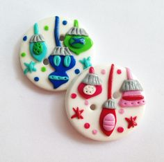 Christmas tree ornaments - handmade buttons made from polymer clay via Etsy.