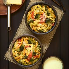 Broccoli Pasta Casserole I would add chicken or even a seafood I Love Food, Good Food, Clean Recipes, Cooking Recipes, Broccoli Pasta, Pasta Casserole, Us Foods, Thanksgiving Recipes, Pasta Dishes