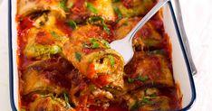 Bébispenót és rengeteg sajt gazdagítja a tölteléket, ricotta és parmezán van benne, a tetején pedig sok-sok mozzarella. Bologna, Mozzarella, Curry, Cooking Recipes, Ricotta, Ethnic Recipes, Food, Lasagna, Curries