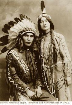 Native North American couple, Situwuka and Katkwachsnea portraits of beautiful Native American peoples Native American Beauty, Native American Photos, Native American Tribes, Native American History, American Indians, American Women, American Symbols, American Life, Native American Photography
