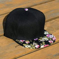 Esa gorra parece que no vale nada pero vale 10euros ♥♥♡☆