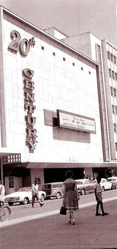 The century cinema in Queensway (sent by Rajni Shah) Nairobi City, Kenya Nairobi, Classic Image, African History, East Africa, Nature Photos, Tanzania, Buses, Uganda