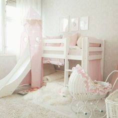 ☆Girlsroom☆ . . . . This cute pink&white punk bed with a slide is from @casarustica_finland and produced by @hoppekids_official . . . #girlsroom #kidsroomdecor #kidsinspiration #barnerom #kidsinterior#barninspo#bunkbed