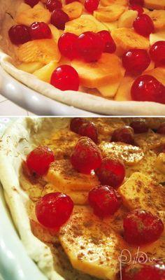 Massa folhada, maçã, banana e cerejas
