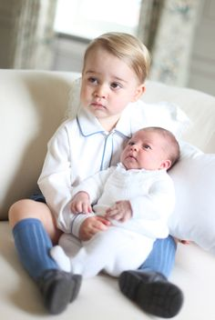 Here Are The First Photos Of Prince George And Princess Charlotte