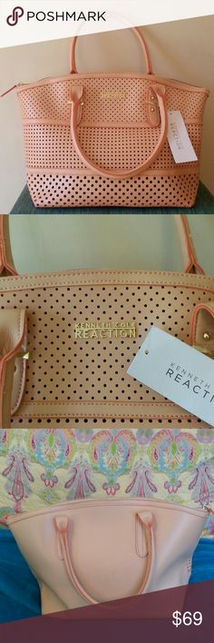 """KENNETH COLE PEACH BAG, GORGEOUS PEACH BAG KENNETH COLE REACTION BRAND NEW WITH ORIGINAL TAGS, 8 """" DOUBLE HANDLES, ONE SIDE OF BAG WITH BEAUTIFUL PREFORATIONS, OTHER SIDE SOLID, MIDDLE DEPTH 11 1/2 """", SIDE DEPTH   9 1/2 """", 16 1/2 """" WIDTH TOP, 13 """" WIDTH BOTTOM. COMPLETE ZIPPERED TOP CLOSURE. INSIDE LARGE POCKET. BEAUTIFUL. GREAT CHRISTMAS GIFT*********** POSH PRINCESS S.C Kenneth Cole Reaction Bags Satchels"""