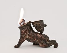 Working 1930s Japanese Tiger Figural Table Lighter