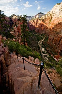 Angels Landing hike at Zion National Park in Utah: the perfect hiking experiance. Eric cannot wait to go one day! This is one of the best places I've hiked Places Around The World, Oh The Places You'll Go, Places To Travel, Places To Visit, Around The Worlds, Destinations, To Infinity And Beyond, Zion National Park, Adventure Is Out There