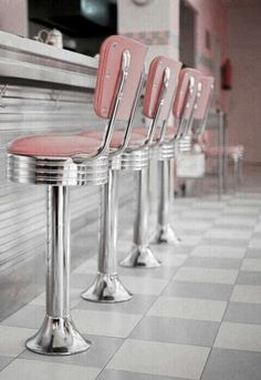 ImageFind images and videos about pink, vintage and retro on We Heart It - the app to get lost in what you love. Retro Vintage, Vintage Stil, Style Vintage, Vintage Design, Vintage Industrial, Industrial Bedroom, Industrial Living, Vintage Kids, Industrial Loft