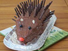 Recette - Gâteau hérisson d'anniversaire | 750g Hedgehog Cake, Birthday Parties, Birthday Cake, Chocolate Cake, Biscuits, Buffet, Birthdays, Food And Drink, Menu
