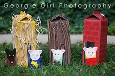 Three Little Pigs – Houses made from big juice boxes