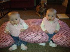 Sweet girls in thier Twin Z!  www.twinzpillow.com