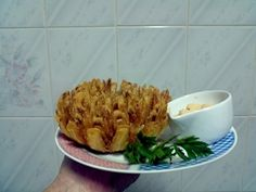Aprenda a preparar a receita de Blooming onion (cebola tipo outback)