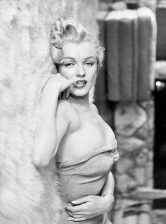 "summers-in-hollywood: ""Marilyn Monroe, 1956. Photo by John Florea """