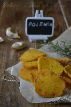 Ricetta sfoglie di polenta| Dolce e Salato di miky Italian Recipes, Vegan Recipes, Cooking Recipes, Vegan Party Food, Good Food, Yummy Food, Salty Foods, Buffet, Daily Meals