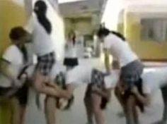 Video - Liseli Kızlar Uzun Eşek Oynarsa