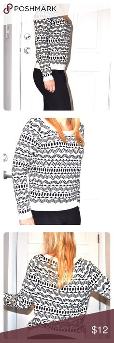FOREVER 21 🌼 Cute Patterned Sweater Comfy and beautiful Forever 21 sweater with a cute pattern in black and white! I wore it a couple time but still looks very good! Size is small and fits like that. Material is 100 percent cotton, which makes it very soft and comfy. Forever 21 Sweaters Crew & Scoop Necks