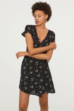 Blå kjole + svart jakke FineTing.no   Fashion, Style