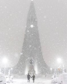 Incredible Photos Of The Record Breaking Snowfall Night In Reykjavik, Iceland Wow Air, Iceland Photos, Iceland Travel, Reykjavik Iceland, Honeymoon Destinations, Winter Scenes, Beautiful World, Wanderlust, Around The Worlds