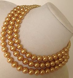 Hey, I found this really awesome Etsy listing at https://www.etsy.com/listing/174291361/gold-pearl-necklace-chunky-pearl