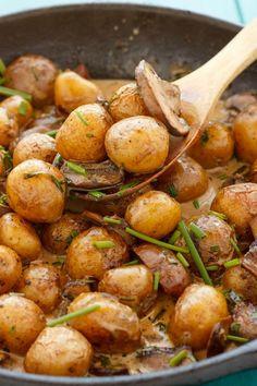 Roasted Baby Potatoes in a Homemade Mushroom Sauce | #potatoes #dinner #sidedish #mushrooms | http://thecookiewriter.com