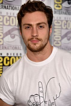 how every woman wants to be looked at Aaron Johnson Taylor, Tyler Johnson, Chris Pratt, Chris Evans, Nowhere Boy, Superfamily Avengers, Cute White Boys, James Potter, Old Love