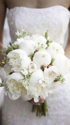 Peony Bouquet Wedding, Summer Wedding Bouquets, White Wedding Flowers, Wedding Flower Arrangements, Bridal Flowers, Wedding Centerpieces, Floral Wedding, White Peonies Bouquet, Arch Flowers