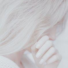 Pale Aesthetic, Angel Aesthetic, Aesthetic Colors, White Hair, Dark Hair, Red Hair, Brown Hair, Jolie Photo, Pale Skin