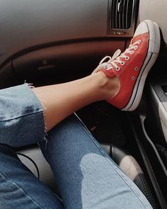 Different Types Of Sneakers Girl Photo Poses, Girl Photography Poses, Girl Photos, Selfies, Nike Air Force 1, Insta Photo Ideas, Cool Books, Instagram And Snapchat, Best Friend Pictures