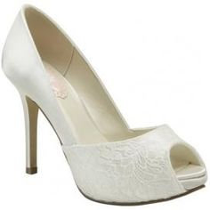 Possible wedding shoe choice. Click the pin for more!