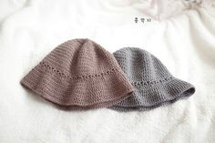 데일리 코바늘 모자 / 벙거지 모자 /도안 : 네이버 블로그 Knitted Hats, Crochet Hats, Sun Hats, Bucket Hat, Winter Hats, Knitting, Shoes, Fashion, Sombreros