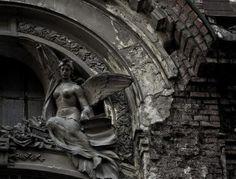 #burial #coffin #mausoleum #monument #pit #vault #catacomb #grave #sepulcher #burial chamber