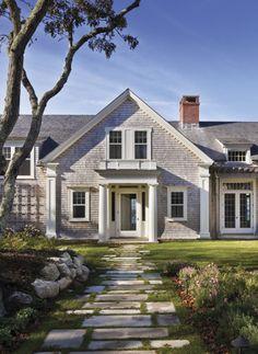 Love the path leading up to front door. Martha's Vineyard, Massachusetts | Ferguson & Shamamian