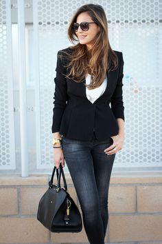 jeans, black blazer, white tee, great black bag- wow