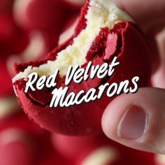 Red Velvet Macaron cookies with a fluffy cream cheese centre (Baking Desserts Videos) Baking Recipes, Cookie Recipes, Dessert Recipes, Baking Desserts, Recipes Dinner, Delicious Desserts, Yummy Food, Macaron Cookies, Sugar Cookies