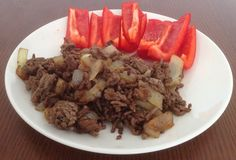 Ground Beef With Onions and Red Bell Peppers Lunch Recipes, Paleo Recipes, Paleo Meals, Paleo Meal Plan, Paleo Diet, Quick Easy Healthy Meals, Sandwiches For Lunch, How To Eat Paleo, Onions