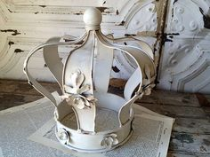 Large Chic Cream Shabby Crown with Flowers600 x 450 | 80.2 KB | eleanorbrownboutique.com