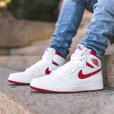 new mens 11 air jordan retro high OG white/varsity red NIB Jordan Shoes Girls, Air Jordan Shoes, Jordan Sneakers, Kicks Shoes, Shoes Sneakers, Men's Fashion Sneakers, Men's Shoes, Jordan 1 Red, Nike Air Shoes